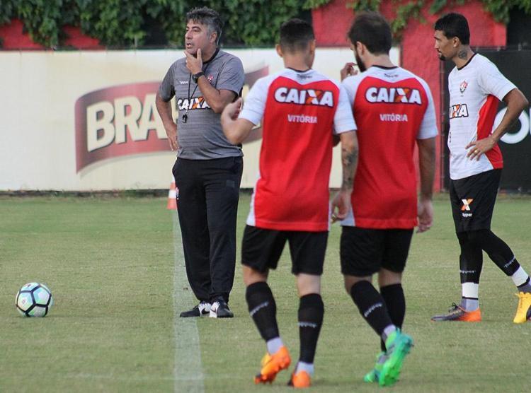 Gallo comanda primeiro treino como técnico e testa mudanças no elenco - Foto: Maurícia da Matta l EC Vitória