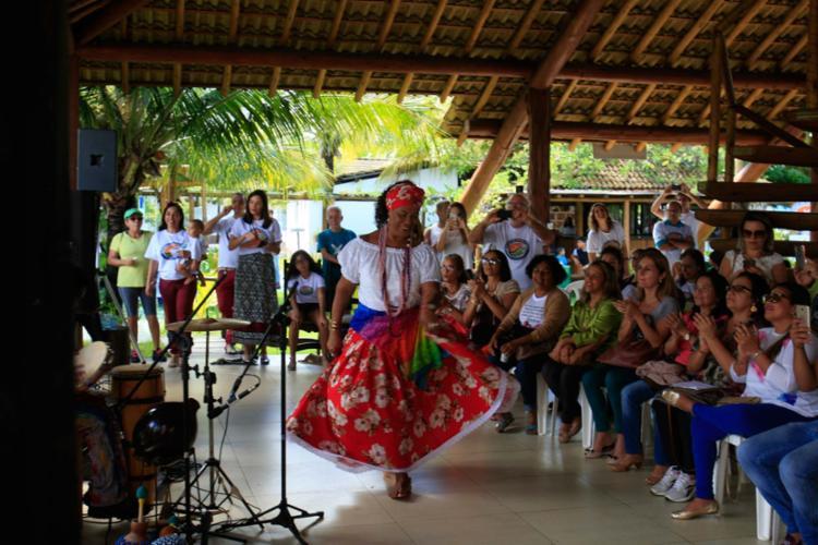 Alegria das Ganhadeiras de Itapuã no Parque das Dunas nesta segunda - Foto: Xando Pereira | Ag. A TARDE