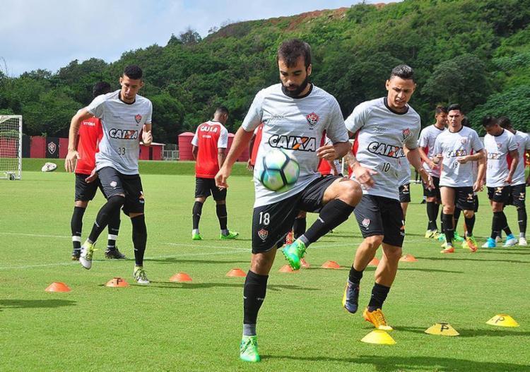 Gabriel Xavier voltará a ser titular no meio-campo - Foto: Maurícia da Matta l EC Vitória