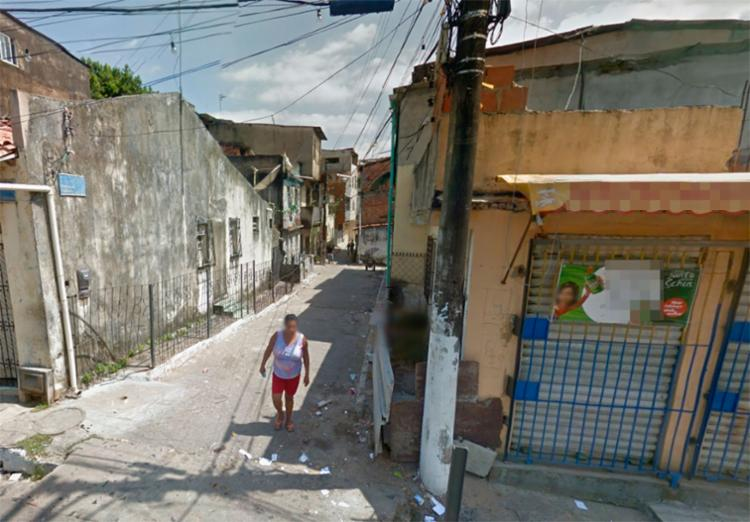 O corpo foi encontrado ao lado de uma padaria na rua Vitoriano Palhares, na Liberdade - Foto: Reprodução   Google Maps