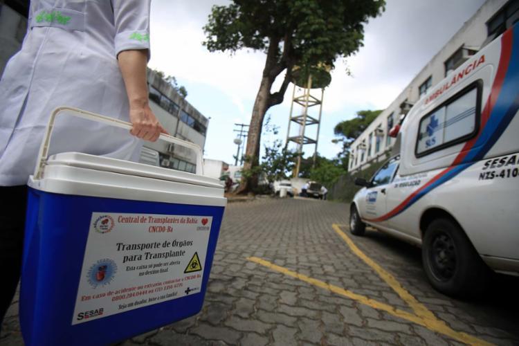 Secretaria também contabilizou crescimento do número de transplantes de fígado e córnea em todo o estado - Foto: Joá Souza | Ag. A TARDE | 21.9.2016