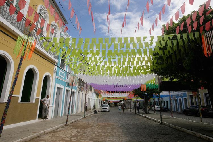Conhecida como capital do licor, Cachoeira já está preparada para as festas juninas - Foto: Mila Cordeiro l Ag. A TARDE