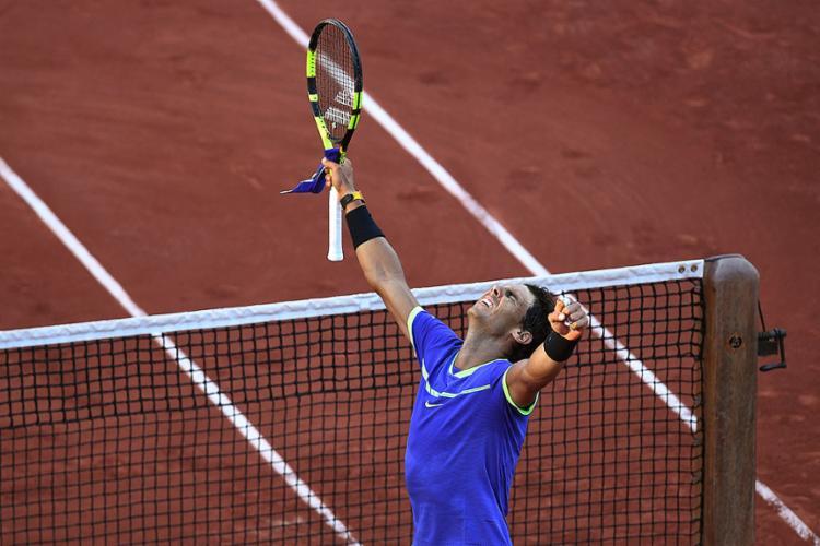 Rafael Nadal comemora a vitória sobre o austríaco Dominic Thiem, seu algoz no Masters 1000 de Roma - Foto: François Xavier Marit l AFP