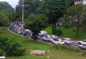 Carro pega fogo e deixa trânsito lento na Garibaldi | Foto: