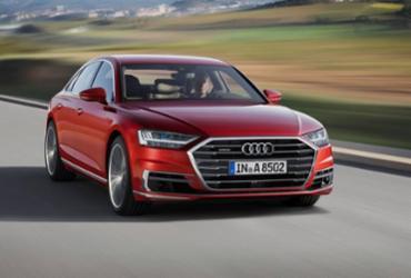 Audi apresenta A8 semiautônomo e tecnológico