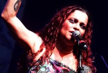 Dora Bahiana canta MPB no Café-Teatro Rubi