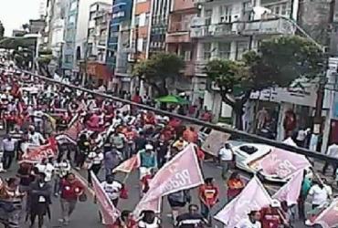Manifestantes pró-Lula fazem ato no centro de Salvador