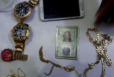 Suspeita de assaltar joalheria em shopping de Camaçari é presa em Salvador