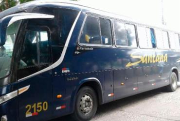 Passageiros de ônibus de turismo são assaltados na BR-324