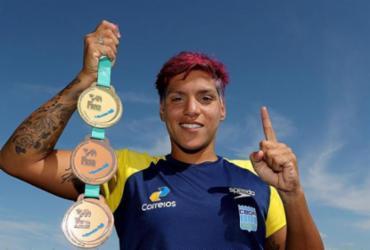 Nadadora Ana Marcela é tricampeã mundial em feito histórico