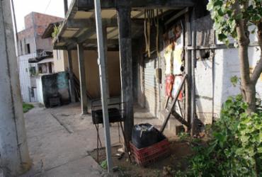 Morador de rua é morto com golpe de faca enquanto dormia
