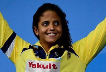 Brasileira Etiene Medeiros é campeã mundial nos 50m costas e faz história