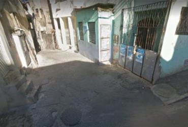 Vinte bandidos armados invadem bar e matam dois homens na Santa Cruz