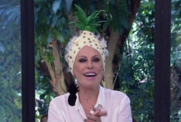 Ana Maria usa turbante de abacaxi e vira piada nas redes sociais