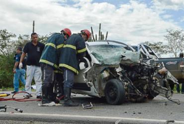 Seis morrem em acidente na BR-324; quatro da mesma família