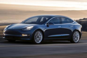 Tesla lança o Model 3, primeiro carro elétrico 'popular'