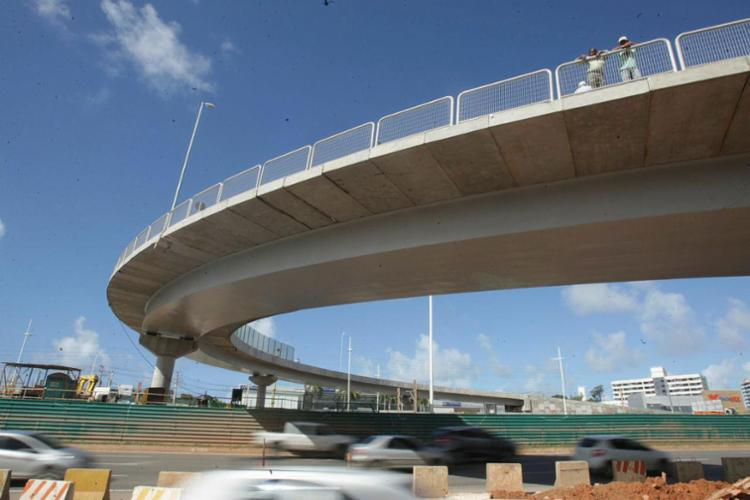Viaduto permite o retorno no sentido aeroporto-Centro - Foto: Xando Pereira | Ag. A TARDE