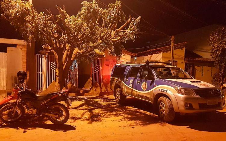 O crime aconteceu por volta das 19h, dentro da casa onde a vítima morava - Foto: Divulgação l Blog do Sigi Vilares