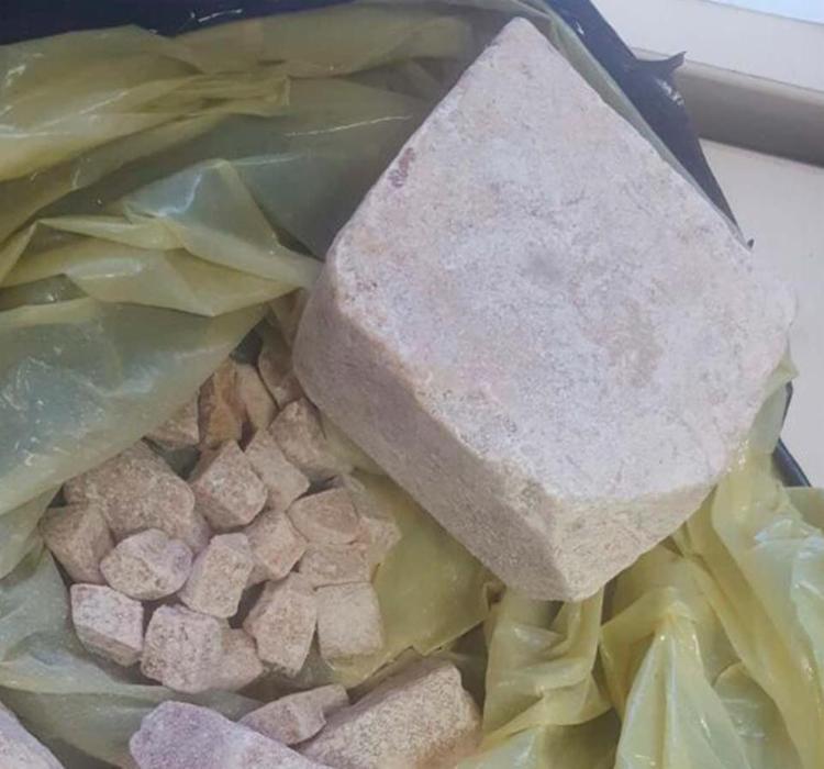 Cerca de 300 gramas da droga foi encontrada na casa de um suspeito de tráfico na localidade da Polêmica - Foto: Divulgação | Polícia Civil