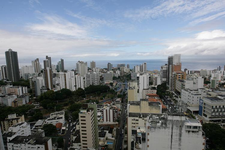 Bem recebidas pelo setor imobiliário, mudanças atingem desde pequenas intervenções até grandes empreendimentos - Foto: Xando Pereira | Ag. A TARDE l 02.06.2017