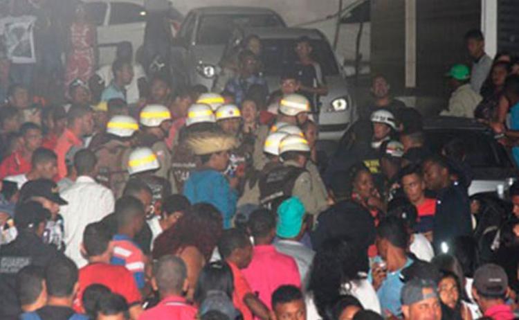 O suspeito foi detido por policiais militares ainda na festa - Foto: Raimundo Mascarenhas   Reprodução   Blog Calila Noticias
