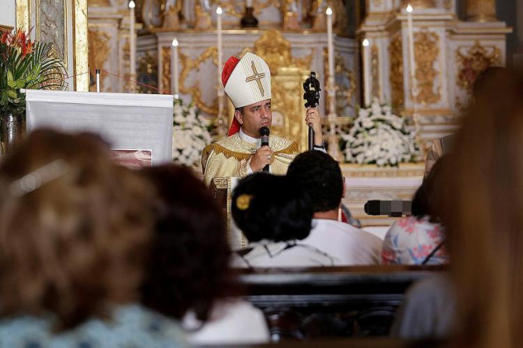 Bispo auxiliar Dom Estevão celebra culto em memória à antiga presidente do IGHB - Foto: Adilton Venegeroles l Ag. A TARDE