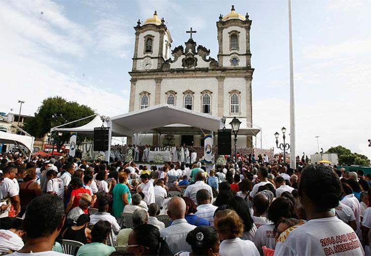 Intervenção inclui adequações para celebração de missa campal no Bonfim - Foto: Gildo Lima   Ag. A TARDE   13.11.2016