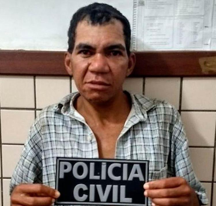 Ele ameaçou a vítima com uma pistola de cola quente - Foto: Divulgação | Polícia Civil