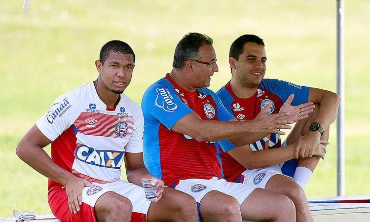 """Jorginho, técnico tricolor: """"Rodrigão tem essa contusão, mas vamos aguardar até o último momento por ele"""" - Foto: Felipe Oliveira l EC Bahia"""