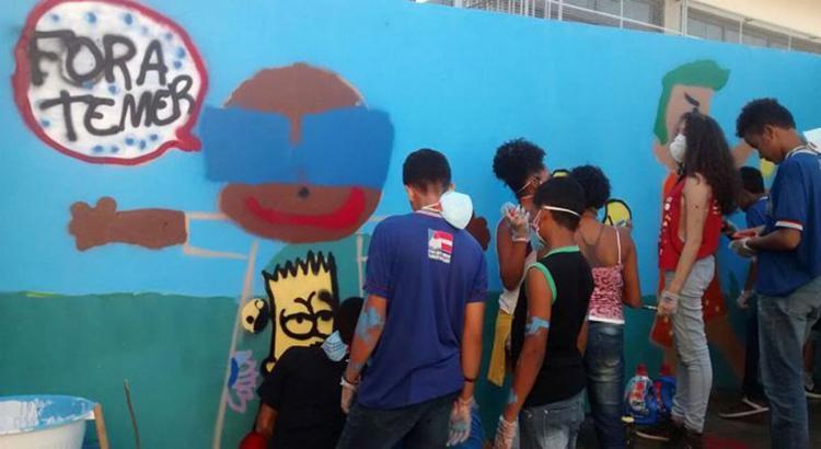 Painel foi pintado em escola no bairro de São Caetano - Foto: Jones Araújo l Ag. A TARDE