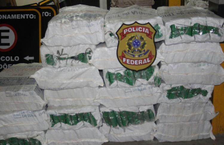 PF encontrou cerca de 4 toneladas de droga no caminhão - Foto: Divulgação   PF