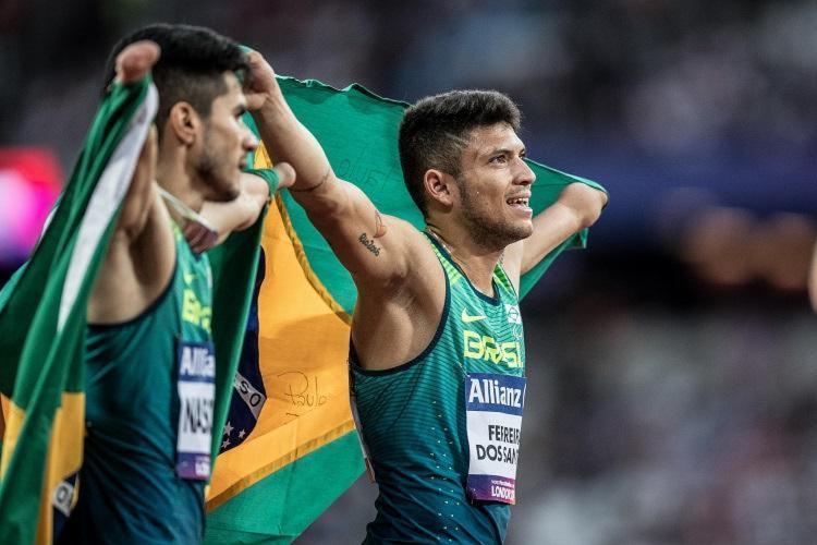 Petrucio Ferreira e Yohansson Nascimento protagonizaram dobradinha brasileira no pódio dos 100m classe T47 - Foto: Daniel Zappe/MPIX/CPB