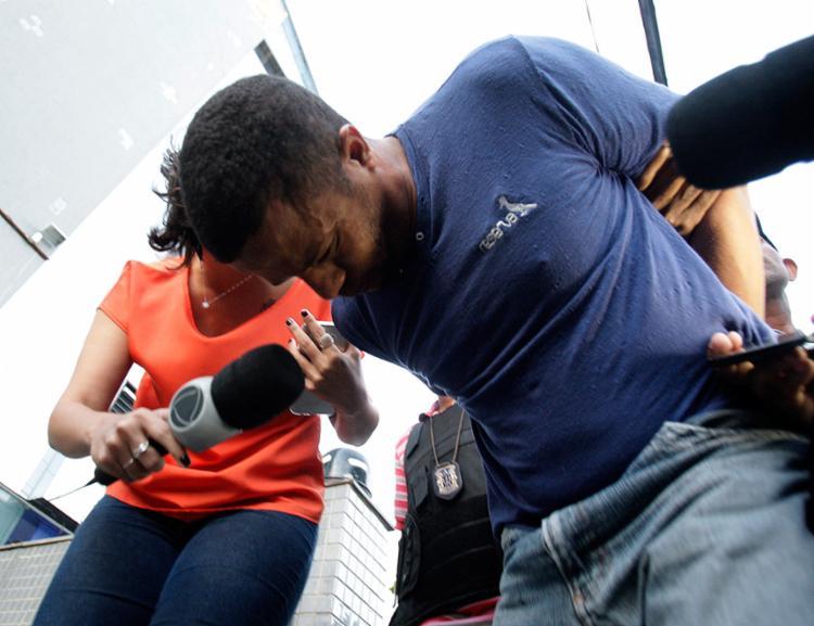 José deixou sede do DHPP sem querer conversa e escondendo o rosto das lentes - Foto: Joá Souza l Ag. A TARDE