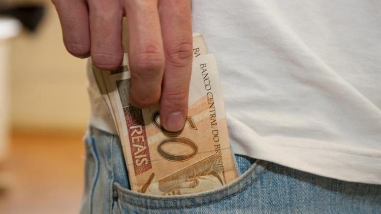 Cerca de 1,3 milhão de contribuintes vão receber dinheiro do Fisco este ano - Foto: Marcos Santos | USP Imagens