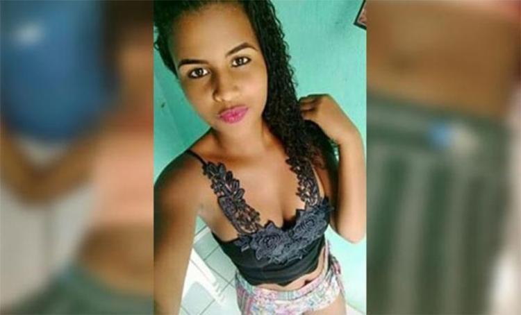 Conhecida como Tina, a jovem foi atingida na testa e morreu na hora - Foto: Reprodução   Blog do Marcelo