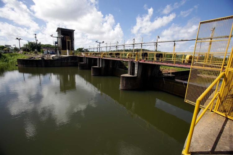 Volume de água na Joanes 2, que, em maio, chegou a ficar somente com 8%, saltou para 71,56% - Foto: Raul Spinassé | Ag. A TARDE