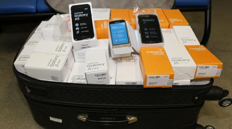 Dono da bagagem estava sem a nota fiscal da mercadoria - Foto: Divulgação   Polícia Civil
