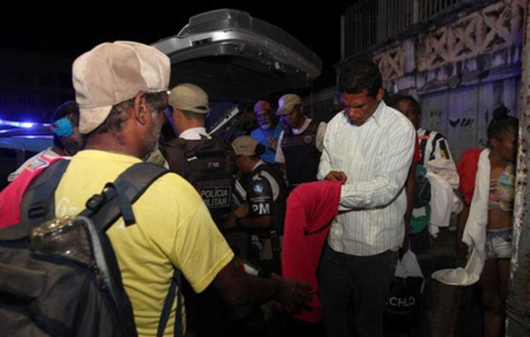 Foram doados casacos, calças, blusas, sapatos, lençóis e cobertores - Foto: Pedro Moraes | Divulgação | GOVBA