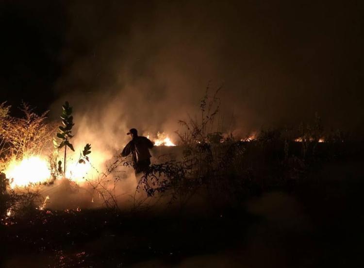 Incêndio foi controlado durante a madrugada desta quinta - Foto: Divulgação | Corpo de Bombeiros