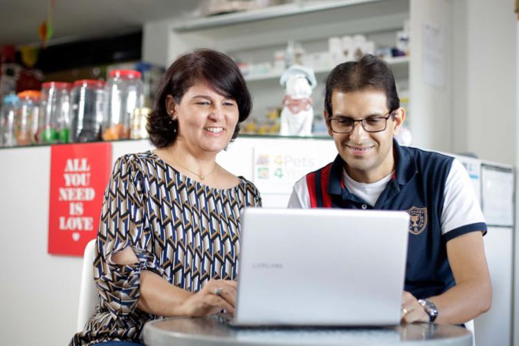 Rosely e Miguel utilizaram o serviço do Sebrae - Foto: Raul Spinassé | Ag. A TARDE