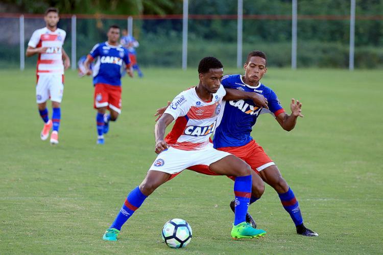 Matheus Sales volta de suspensão e briga por vaga no meio-campo - Foto: Felipe Oliveira l EC Bahia