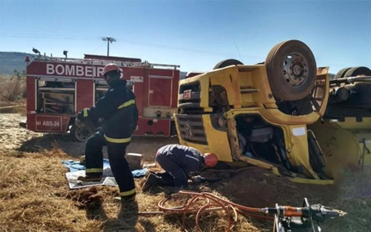 Duas pessoas ficaram feridas no acidente - Foto: Reprodução | Blog Braga