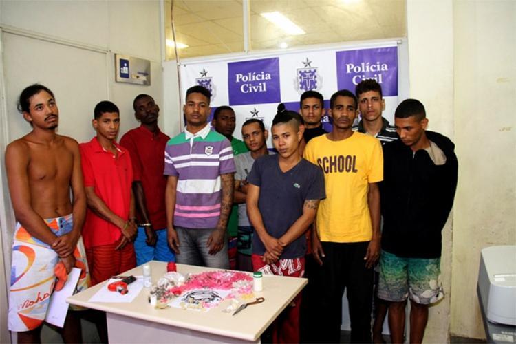 Com o bando, a polícia apreendeu drogas, celulares, arma de brinquedo e duas bicicletas do Banco Itaú - Foto: Jorge Cordeiro | SSP-BA