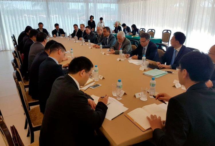 Governador e secretários reuniram-se em Brasília com empresários chineses - Foto: Camila Peres | Divulgação