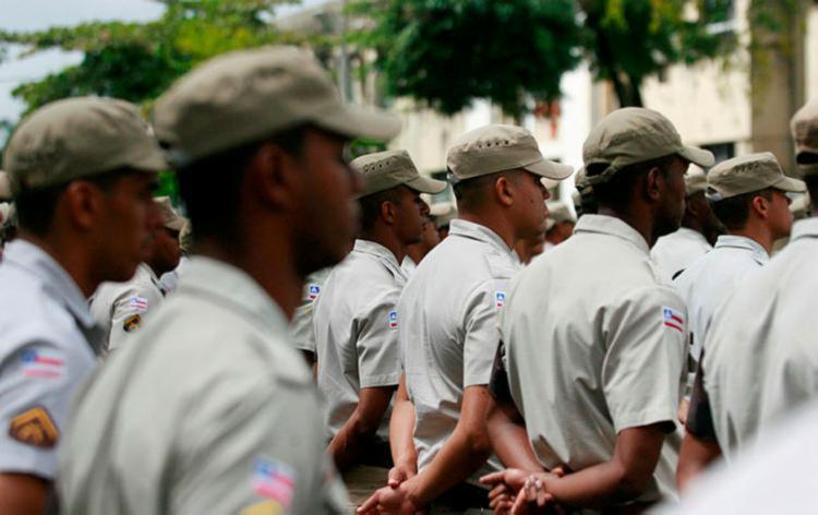 Ao todo, são oferecidas 2.750 vagas para os cargos de soldado das duas corporações - Foto: Joá Souza | Ag. A TARDE