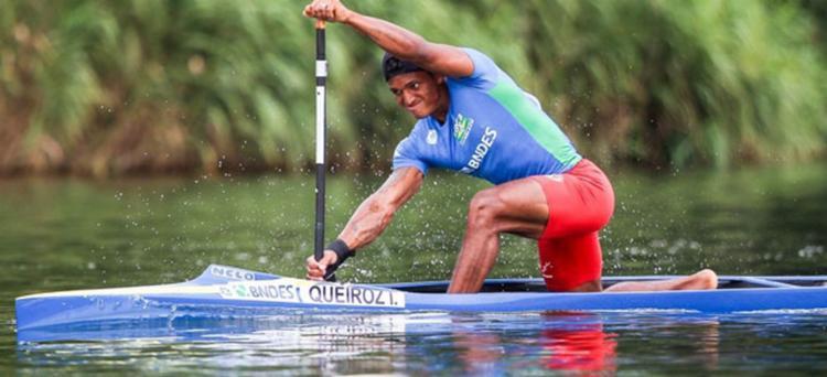 Isaquias terminou a classificação em primeiro nas duas provas - Foto: Balint Vekassy | CBCa | Divulgação