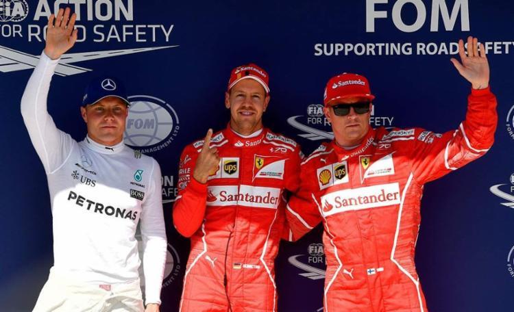Vettel vai largar na frente ao impor novo recorde da pista para um treino classificatório da F-1, com 1min16s276 - Foto: Andrej Isakovic   AFP