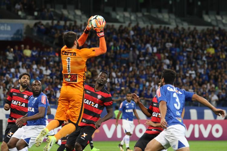 Fernando Miguel segurou o Cruzeiro no Mineirão - Foto: Doug Patricio | Brazil Photo Press | Agência O Globo