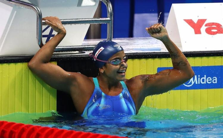 Etiene Medeiros se tornou a primeira mulher do país a conquistar a medalha de ouro em um Mundial - Foto: Satiro Sodré | CBDA