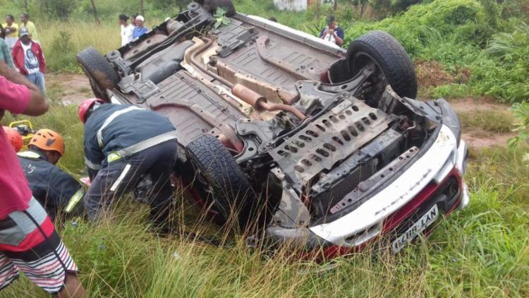 Acidente aconteceu na BR-101, em Conceição de Jacuípe, cidade conhecida como Berimbau - Foto: Reprodução   Berimbau Notícias